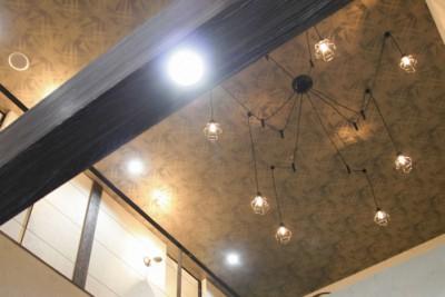 帯広ヘアーサロンネイジュの1階店内照明写真